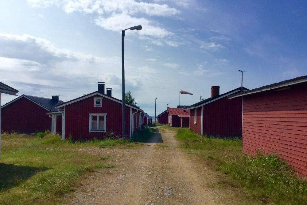 Arctic Lighthouse Hotel Marjaniemi fishermans village