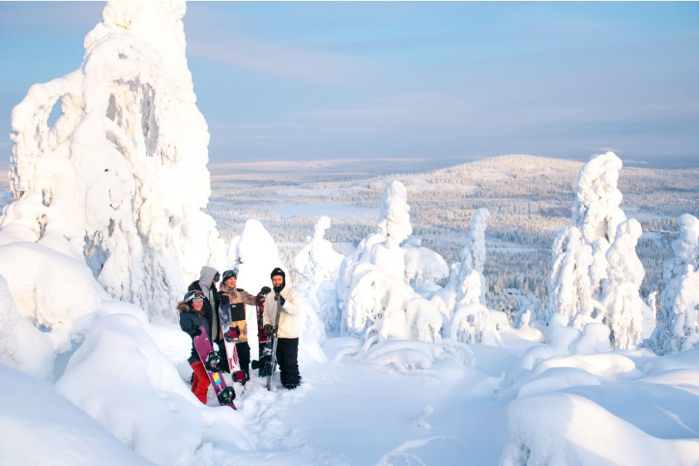 Syote-KIDE friends snowboarding