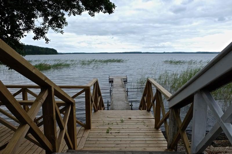 Hotel Radalla - Steg zum See