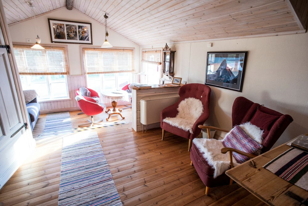 Gasthaus-Kangos_copyright-Fredrik-Broman_1000.jpg