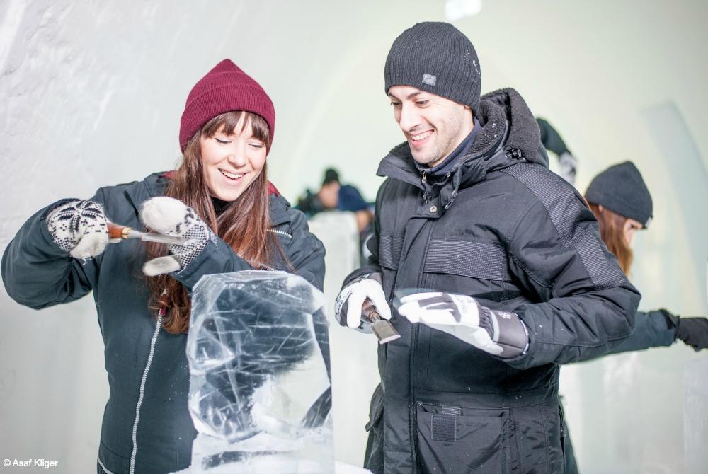ICEHOTEL-365_Sommeraktivitäten-Kiruna_Eisskulpturen_-Asaf-Kliger_1000.jpg