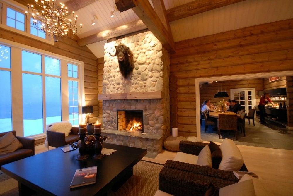 Lyngen Lodge G-Austick