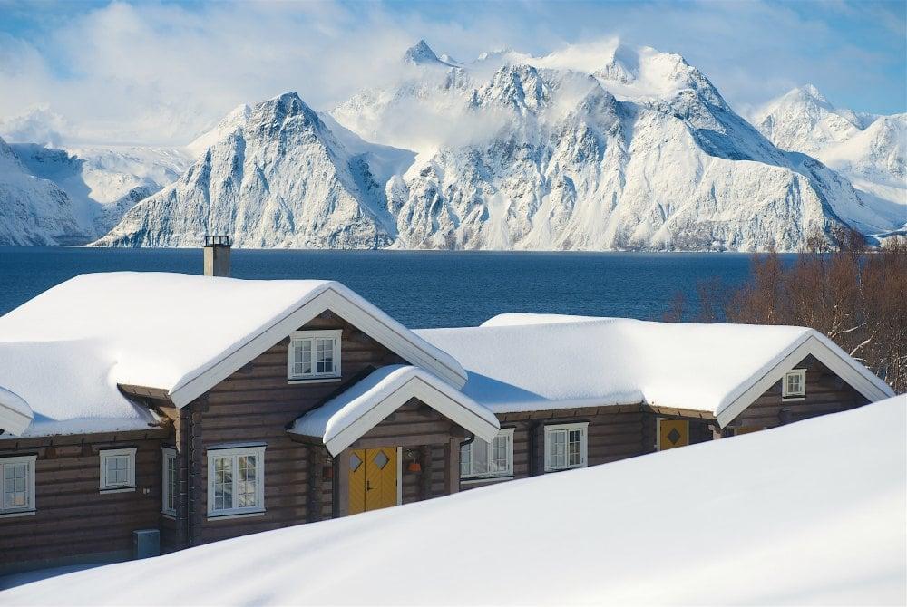 Lyngen Lodge Winter Outdoor