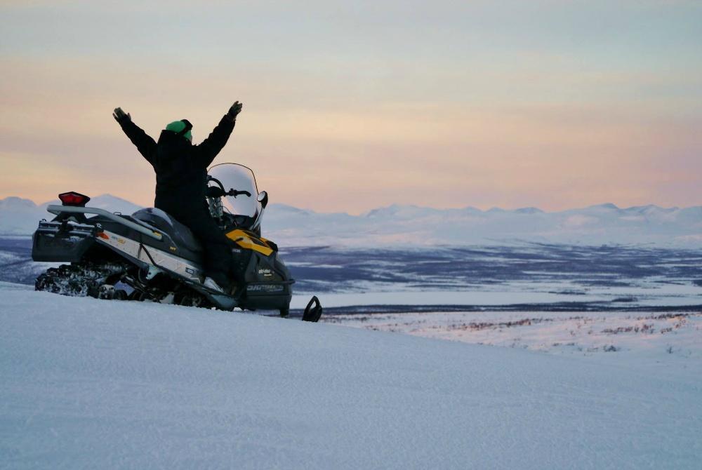 Máttaráhkká Bergtour Motorschlitten Kiruna
