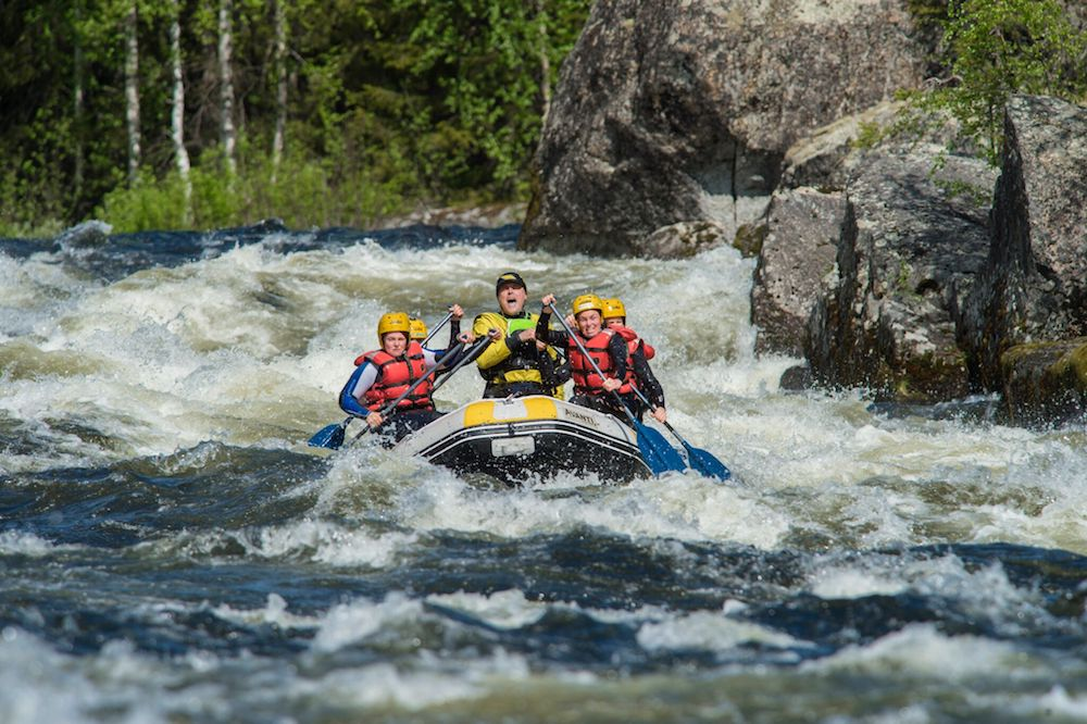 Umeå - Forsknäckarna - WildwasserRafting Trollforsen Tour