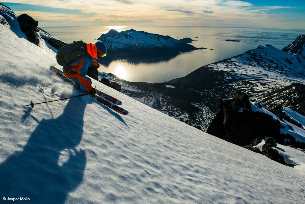 Lyngenfjord-skiing-copyright Jesper Molin