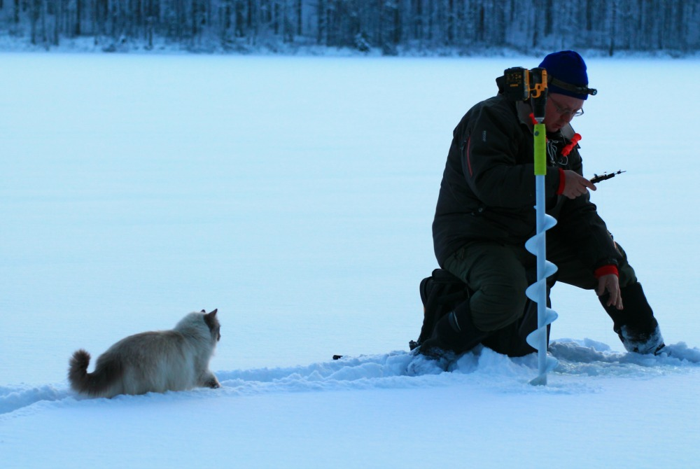 Atteson_Fishing_ice