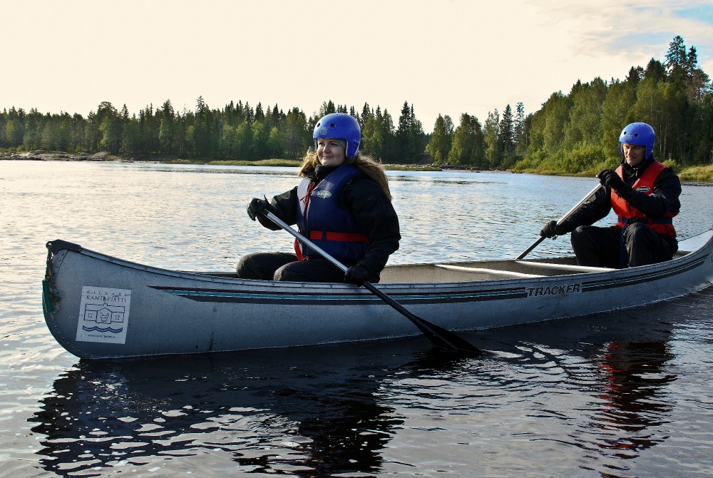 Water_activities_in_the_Oulu_Region_canoeing