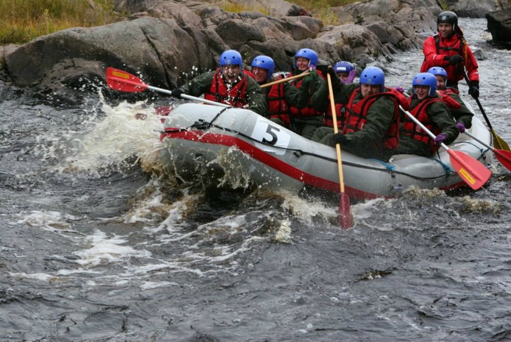 Water_activities_in_the_Oulu_Region_rafting