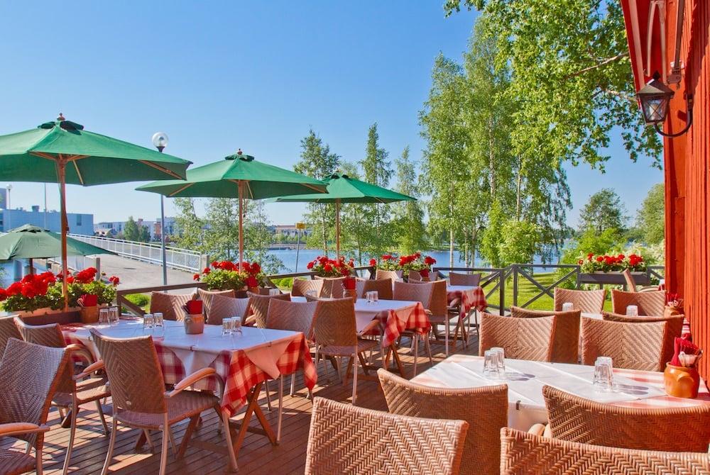 Restaurant Sokeri-Jussin Kievari in Oulu