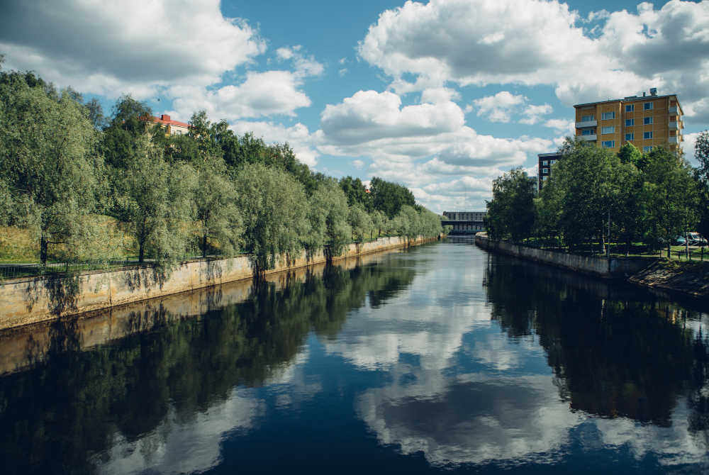 Stadt Oulu im Sommer