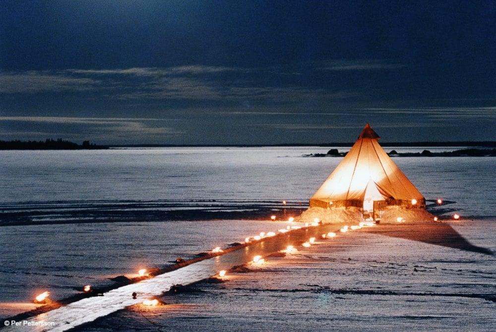 Exklusives Dinner auf dem gefrorenen Meer
