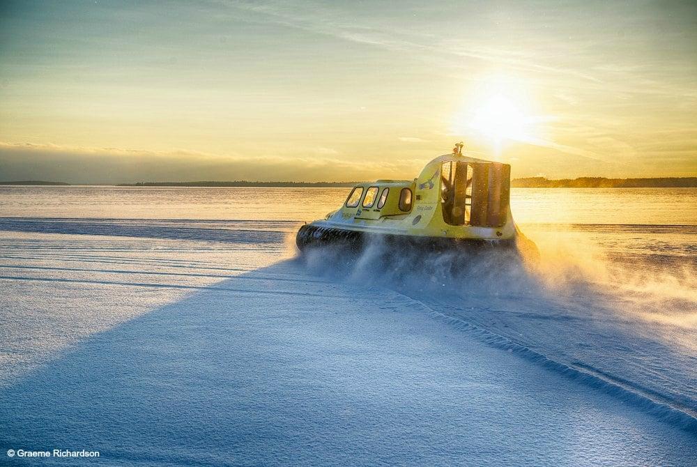 Hovercraft-Tour im Archipel von Luleå