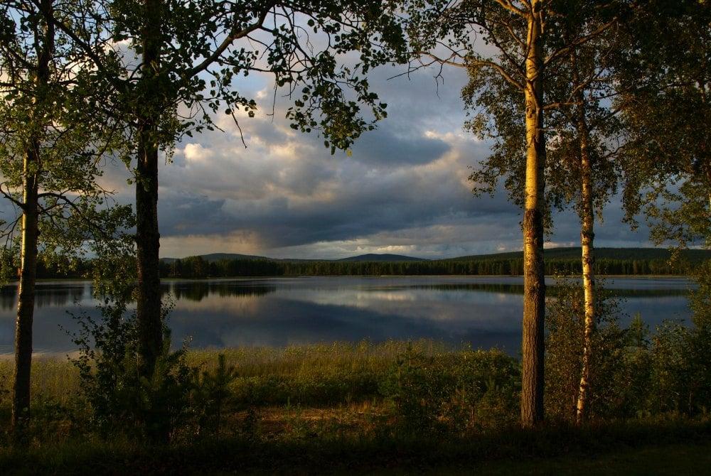 Blick auf den See an derFerienanlage Trollforsen