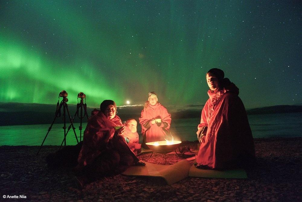 Lagerfeuer während einer Nordlicht Fototour in Kiruna