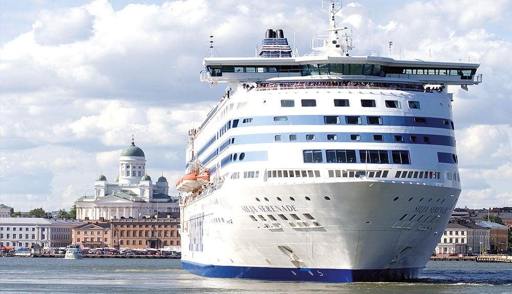 Die Silja Serenade vor Helsinki