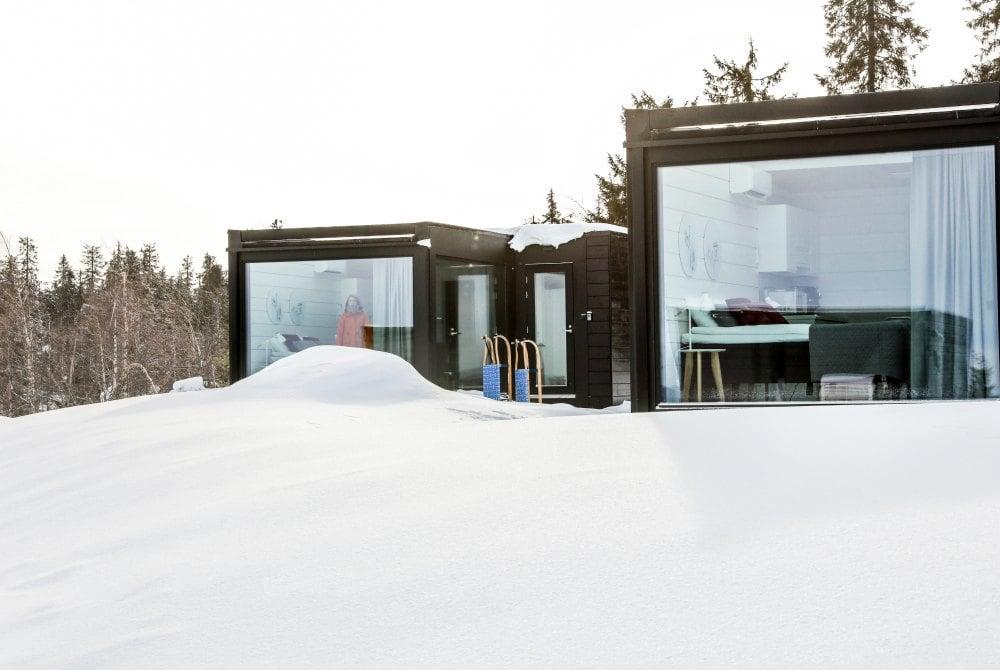 Die neuen Sky Cabins in Ukkohalla mit großen Glasfenstern