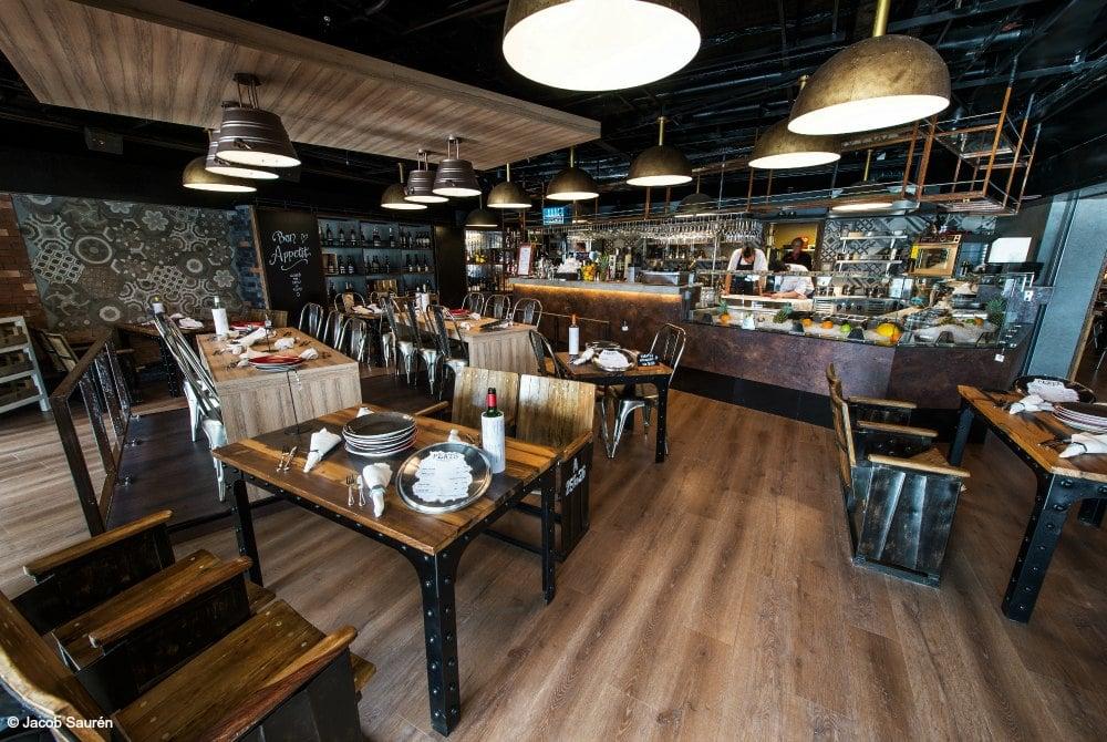 viking-line-restaurant-plate-mariella-copyright-jacob-sauren