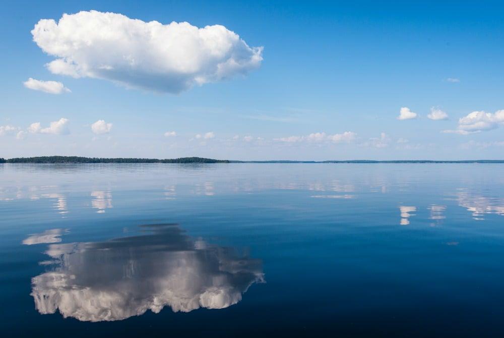 spiegelung-saimaa-see-copyright-mikko-nikkinen