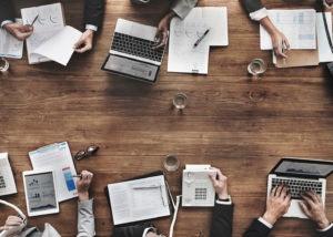 Business-People-Meeting-Growth-Success-Target-Economic-Concept-000091188131_Medium-300x214