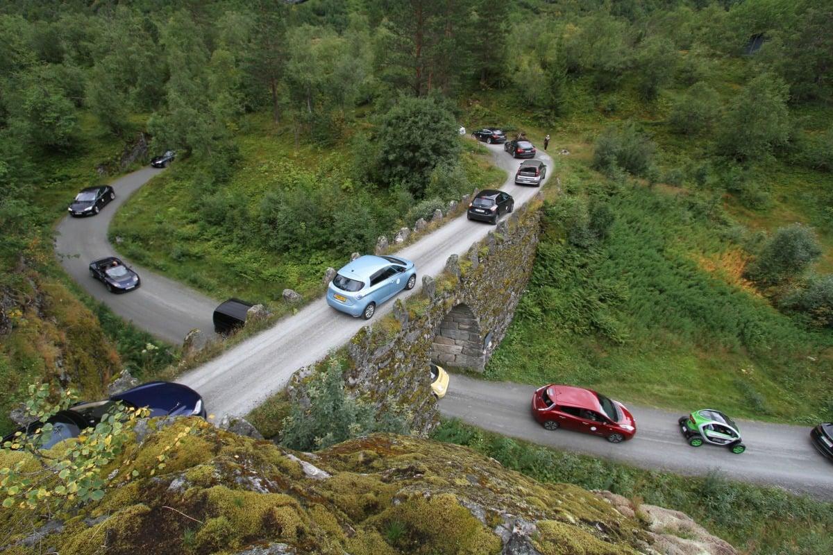 eRally am Geiranger mit 50 E-Autos.