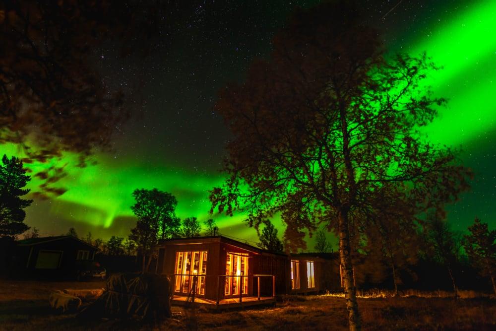 Restaurant in autumn_Copyright_Arctic Gourmet Cabin