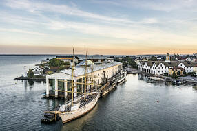 Per Pixel Petersson_imagebank.sweden.se_Karlskrona_Hafen