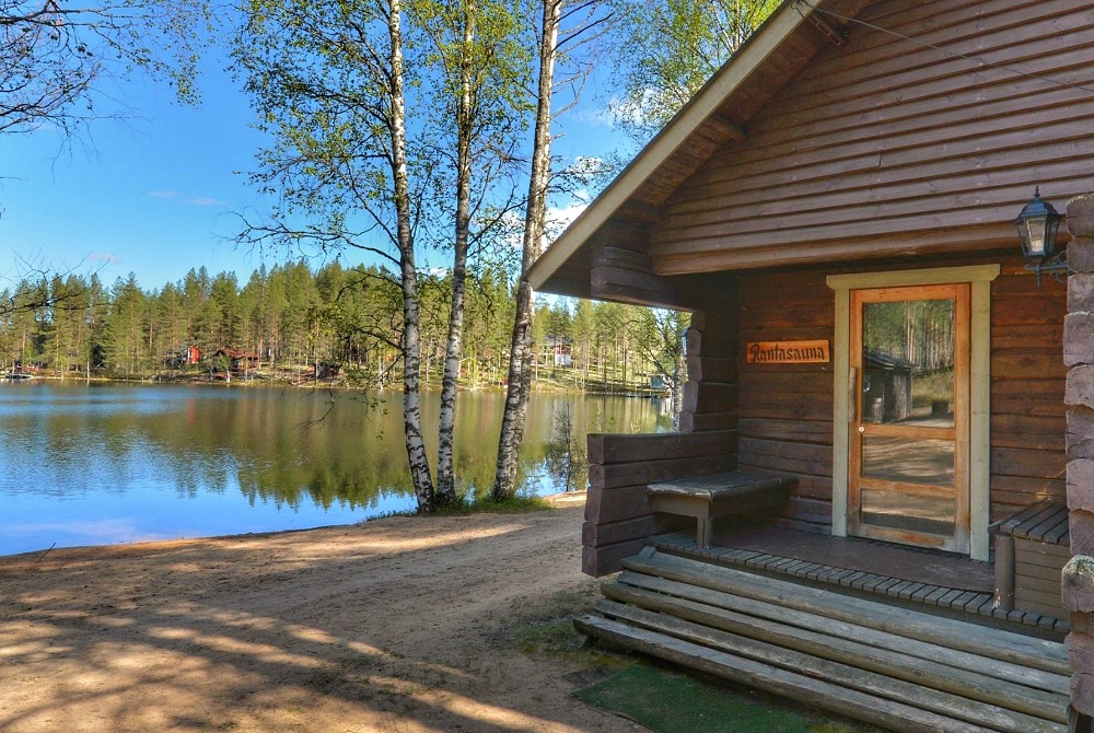 Wildnishotel Rokuanhovi Sauna am See