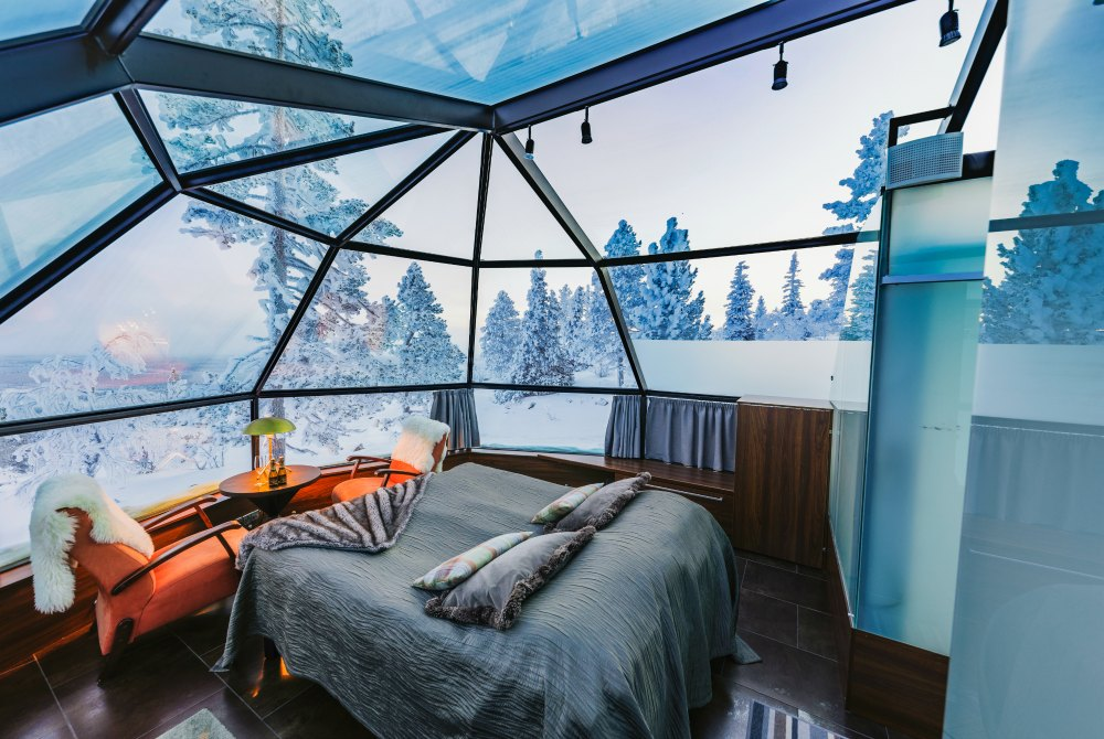 Levin Iglut-Winter-2019_Glass_igloo_interior