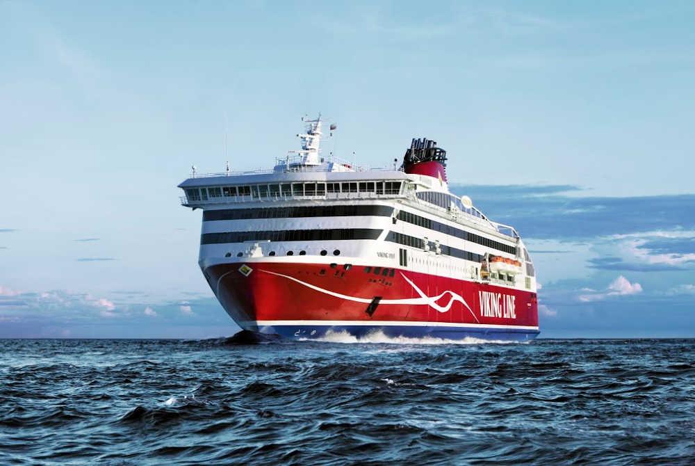 Viking Line-Viking XPRS at sea