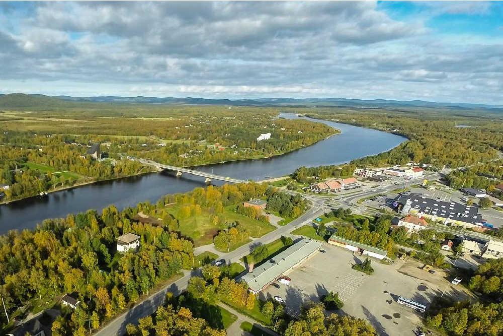 Visit Saariselka-Inari-Ivalo-village-centre-summer-copyright visit saariselkä-inari