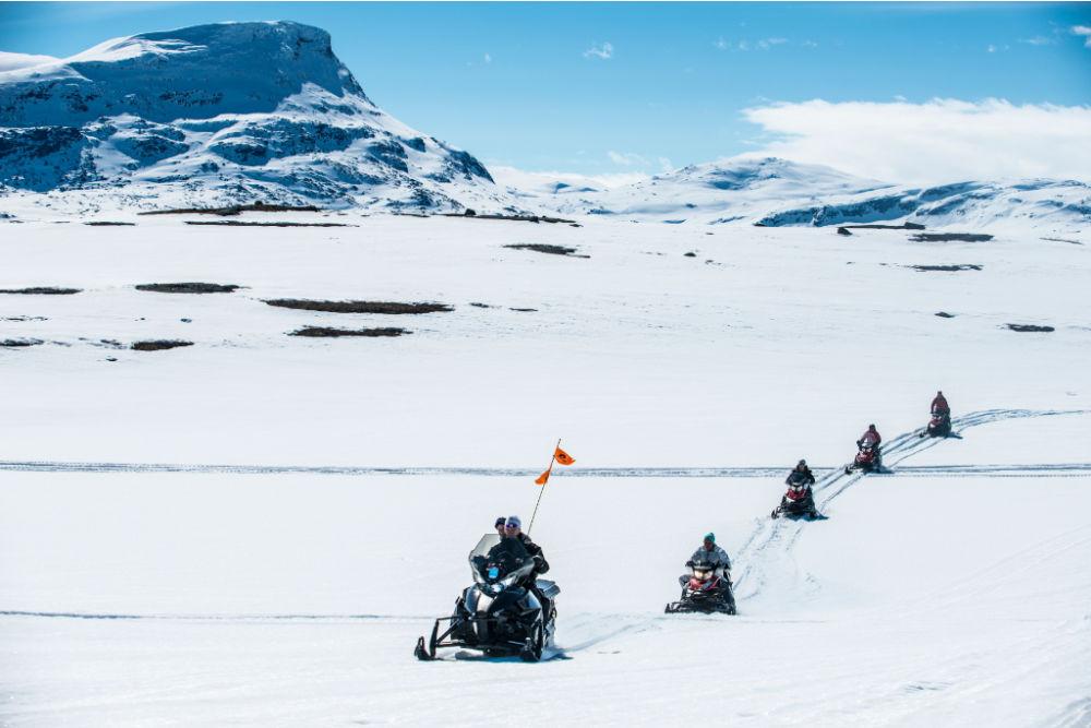 Lapland Resorts-Snowmobile Riksgränsen-copyright Markus Alatalo