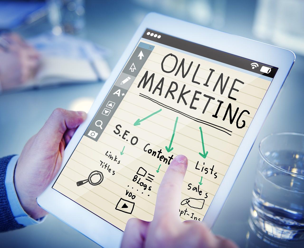 Digitaalinen markkinointi - Kouvola 2021 - tutkinto työn ohella